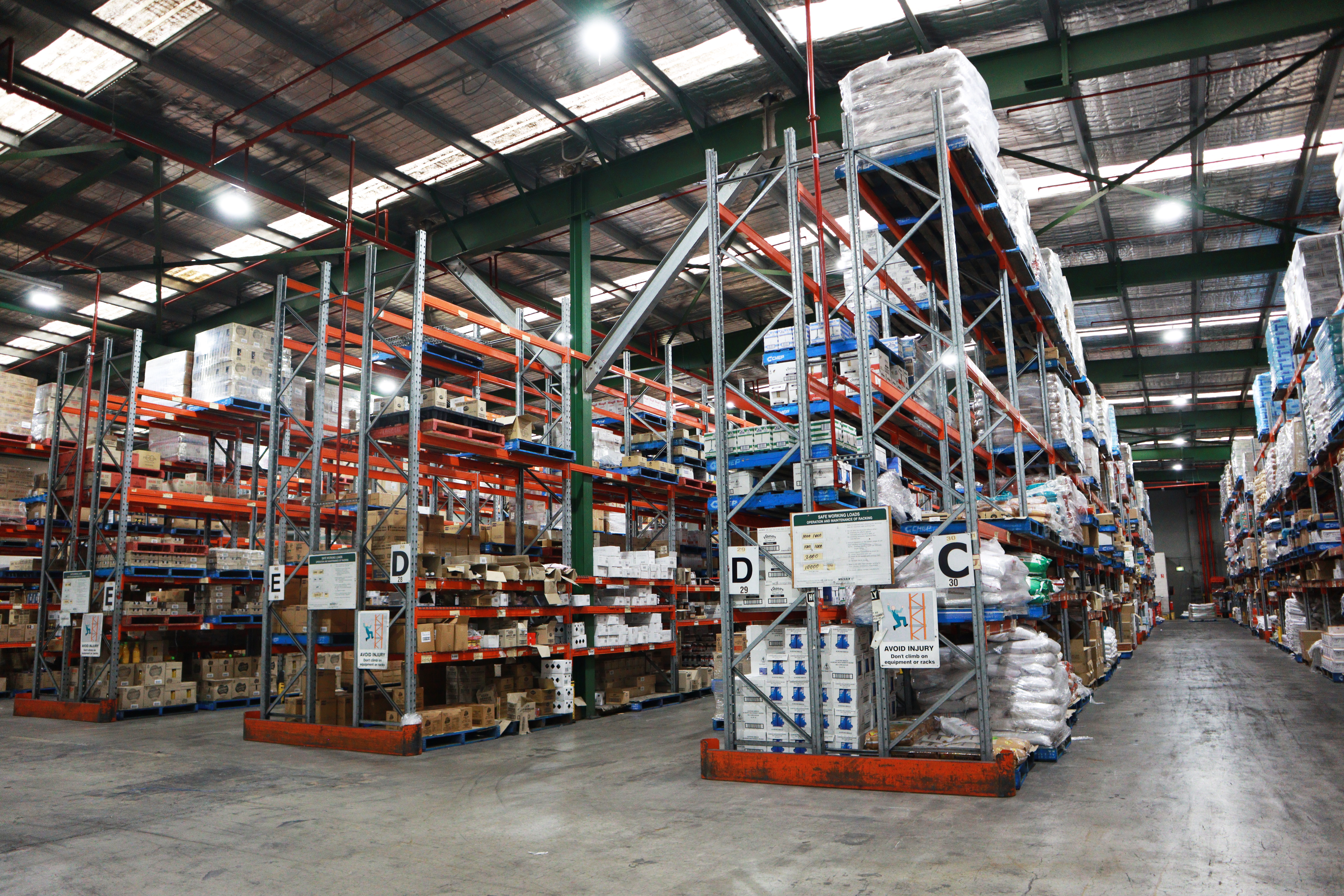FoodByUs Supplier, FoodLink has a huge warehouse, able to stock thousands of products across a range of categories.